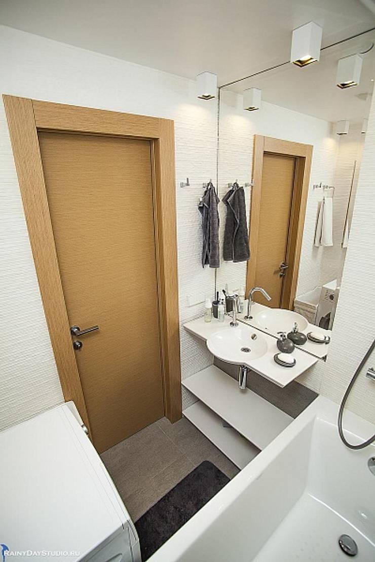 ДЕТАЛИ КВАРТИРЫ НА ОСЕННЕМ БУЛЬВАРЕ: Ванные комнаты в . Автор – Zi-design Interiors