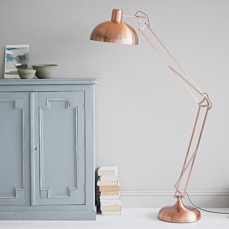 Copper Floor Lamp:  Living room by rigby & mac