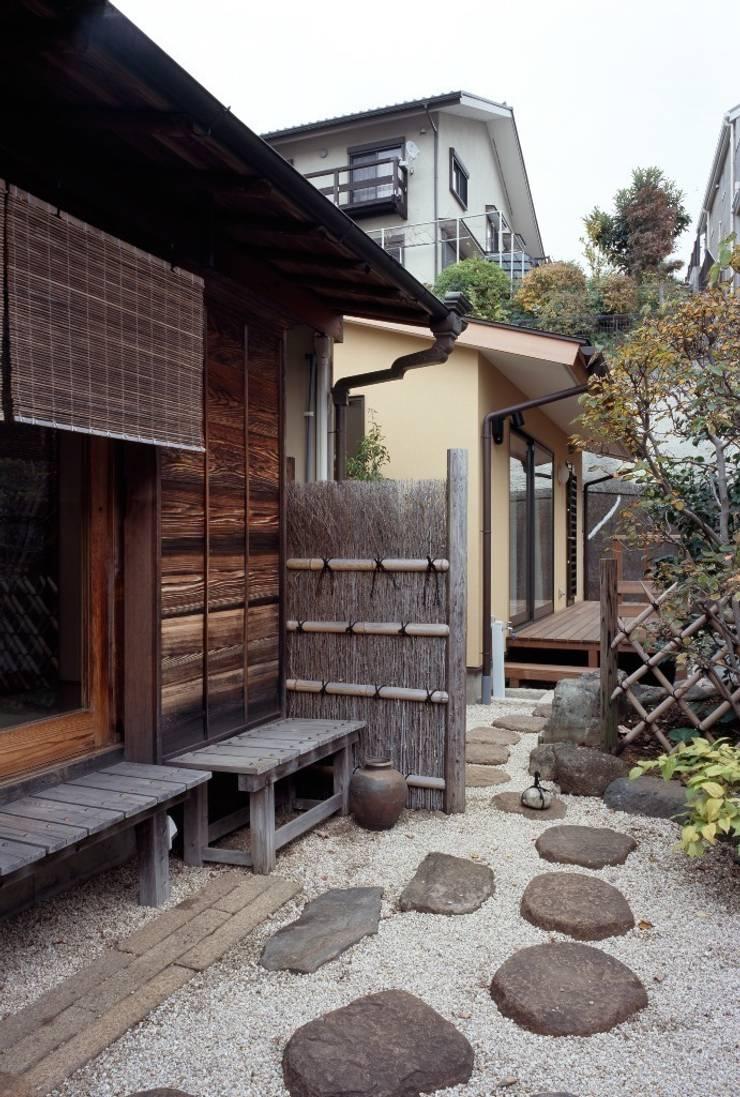 南庭: 忘蹄庵建築設計室が手掛けた家です。