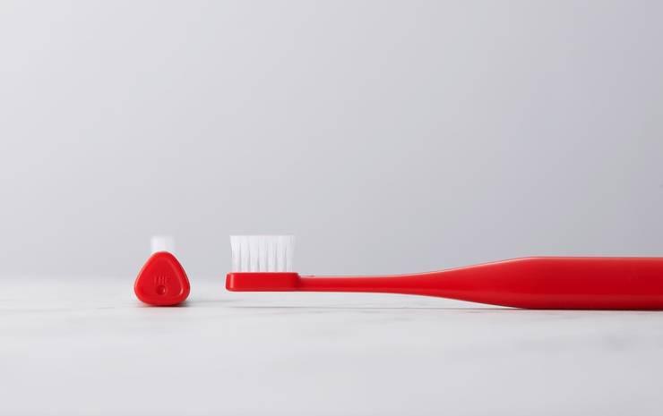 立つ歯ブラシ、『 THE TOOTH BRUSH by MISOKA 』: PRODUCT DESIGN CENTERが手掛けた洗面所&風呂&トイレです。