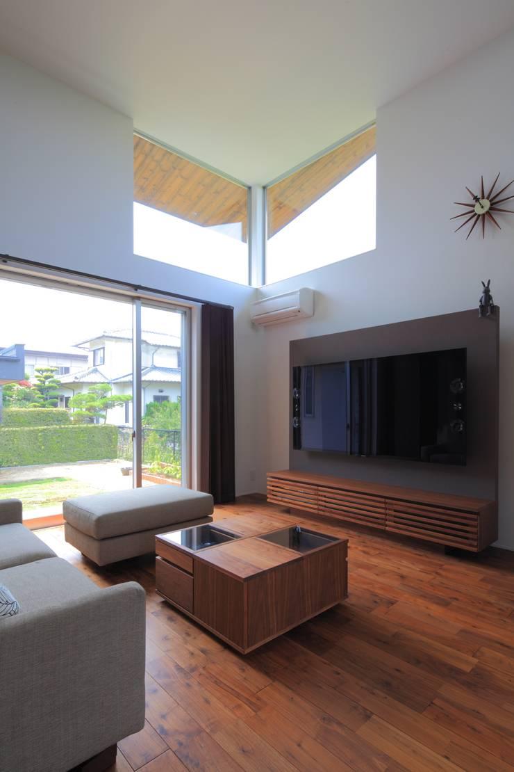 OKK House : artect design - アルテクト デザインが手掛けたリビングです。