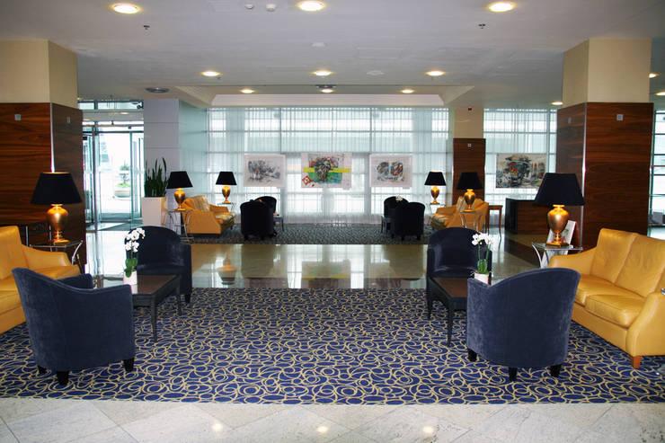 """""""ARCHITECTURE OF DESIRE"""" MARRIOT COURTYARD AIRPORT HOTEL EXHIBITION: styl , w kategorii Sztuka zaprojektowany przez Filip Kurzewski"""