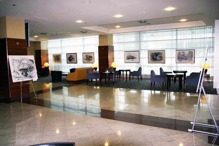 """<q class=""""-first"""">ARCHITECTURE OF DESIRE</q> MARRIOT COURTYARD AIRPORT HOTEL EXHIBITION: styl , w kategorii Sztuka zaprojektowany przez Filip Kurzewski"""