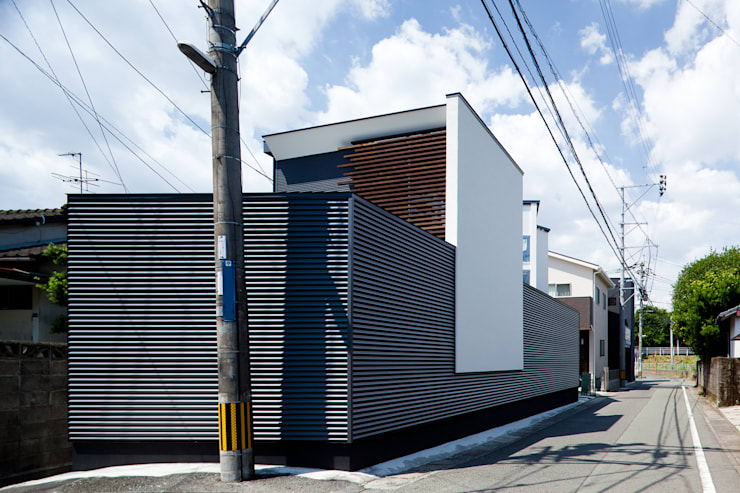 広間: 岩瀬隆広建築設計が手掛けたリビングです。,