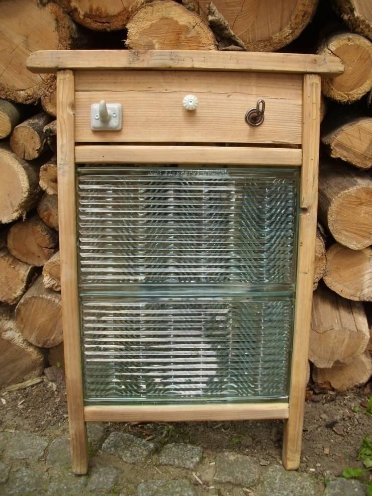 Lybste Badmoebel - Upcycling Handtuchhalter : rustikale Badezimmer von Lybste Badmoebel
