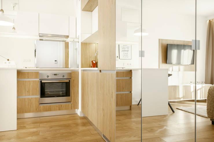 NADWIŚLAŃSKA 11 – 31m2: styl , w kategorii Kuchnia zaprojektowany przez UNQO,