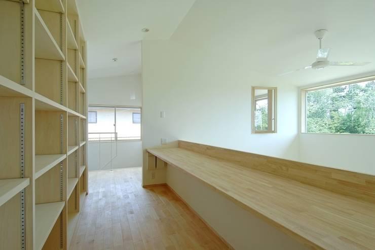 八龍の家 / House in Hachiryu : 市原忍建築設計事務所 / Shinobu Ichihara Architectsが手掛けた和室です。,モダン