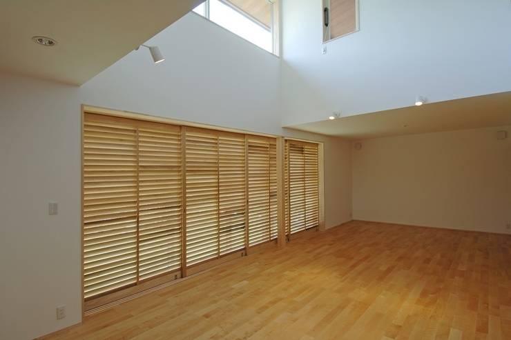 八龍の家 / House in Hachiryu : 市原忍建築設計事務所 / Shinobu Ichihara Architectsが手掛けた窓です。,モダン