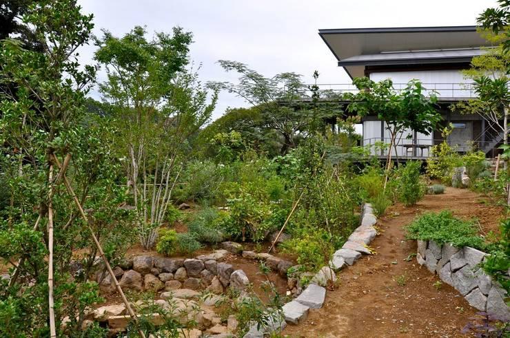 まいまい池: 有限会社 温室が手掛けた庭です。