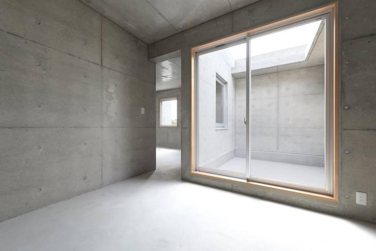 犬山の家 / House in Inuyama: 市原忍建築設計事務所 / Shinobu Ichihara Architectsが手掛けたテラス・ベランダです。
