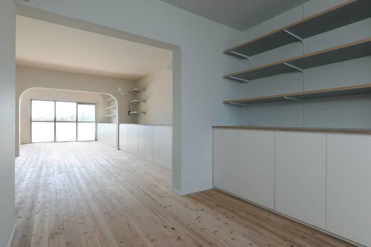 池下の家 / House in Ikeshita: 市原忍建築設計事務所 / Shinobu Ichihara Architectsが手掛けたダイニングです。