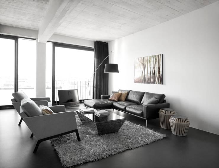 Carlton: modern Living room by BoConcept Bristol