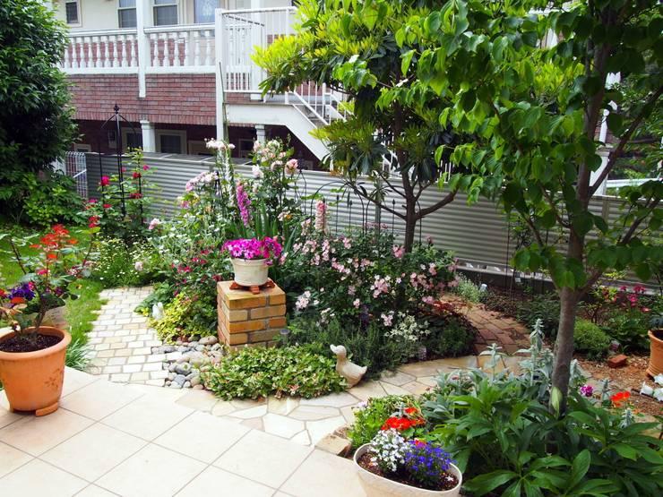 成長して行く庭: 有限会社 KI・KO・RI GARDEN DESIGNが手掛けたです。,