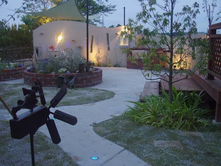 おしゃれな天空の庭 | エクステリア&ガーデンデザイン専門店 エクステリアモミの木: エクステリアモミの木 | エクステリア&ガーデンデザイン専門店が手掛けた庭です。