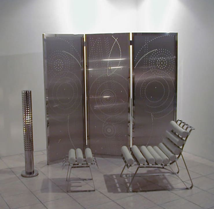 Cosmo Gate: STUDIO AZZURROが手掛けたアートです。