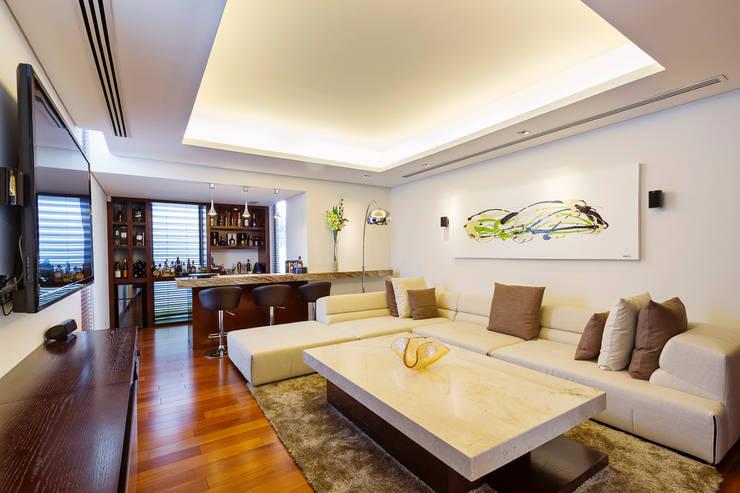 Oficinas de estilo moderno por Enrique Cabrera Arquitecto