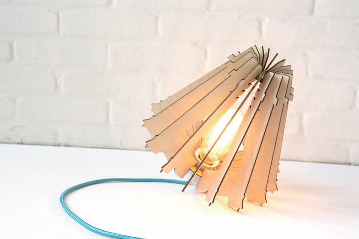 Hypocrite floor lamp:  Woonkamer door Wisse Trooster - qoowl