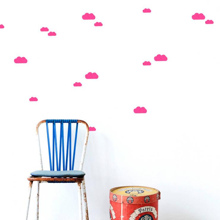 Ferm living muurstickers mini wolken neon rose:   door De Kleine Generatie, Scandinavisch