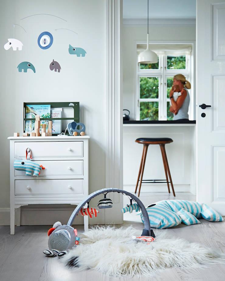 Mooie babykamer van Done by Deer:   door De Kleine Generatie, Scandinavisch