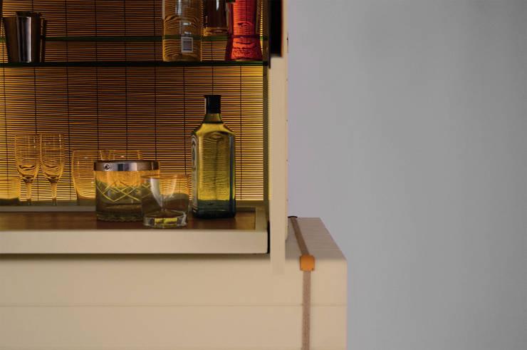 Nuevo mueble Bar FETICHE: Hogar de estilo  por Eugenio Aguirre