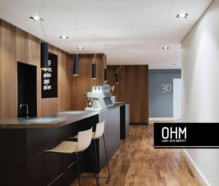 DeltaLight: Escritório  por OHM - Light With Identity