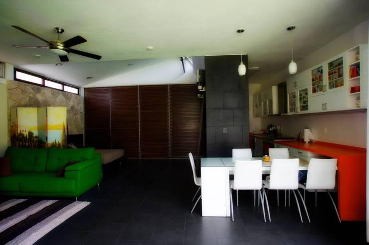 Comedores de estilo  por sanzpont [arquitectura]