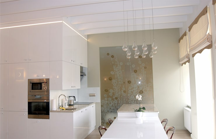 Rynek 20 Cieszyn Apartament Cesarski: styl , w kategorii Salon zaprojektowany przez Architektura Wnętrza