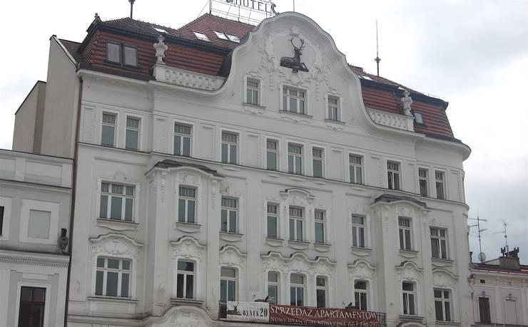 Rynek 20 Cieszyn Apartament Cesarski: styl , w kategorii Hotele zaprojektowany przez Architektura Wnętrza,