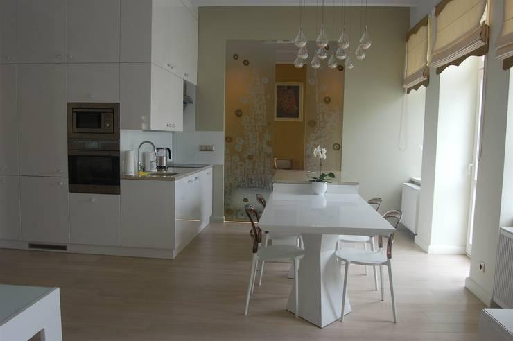 Rynek 20 Cieszyn Apartament Cesarski: styl , w kategorii Salon zaprojektowany przez Architektura Wnętrza,
