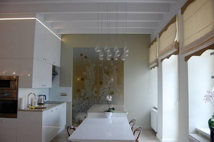 Apartament Cesarski: styl , w kategorii Kuchnia zaprojektowany przez Architektura Wnętrza,