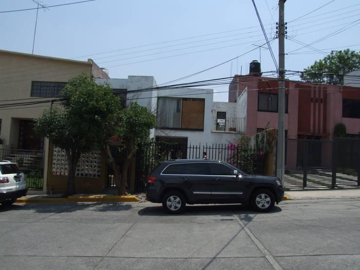 Casa Satélite 1:  de estilo  por Diseño Distrito Federal