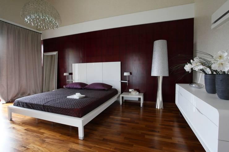 White: styl , w kategorii Sypialnia zaprojektowany przez Fotograf wnetrz  Dymitr Kalasznikow