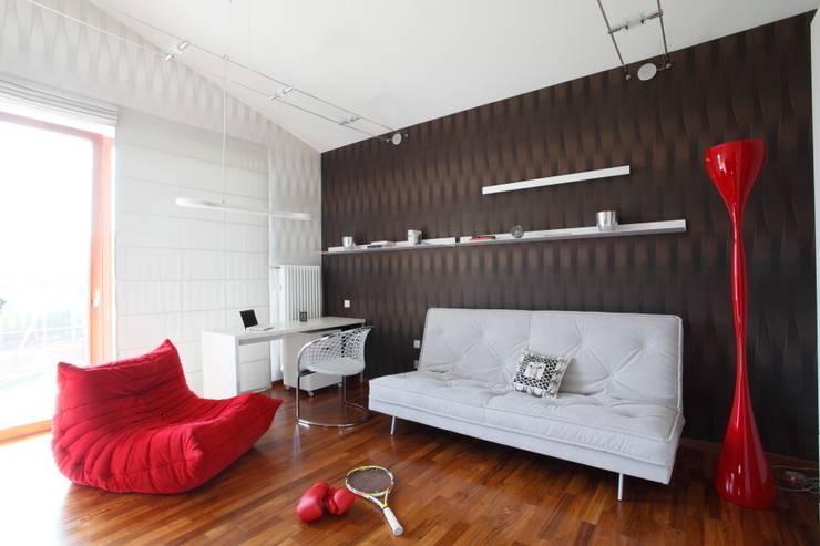 White: styl , w kategorii Pokój dziecięcy zaprojektowany przez Fotograf wnetrz  Dymitr Kalasznikow