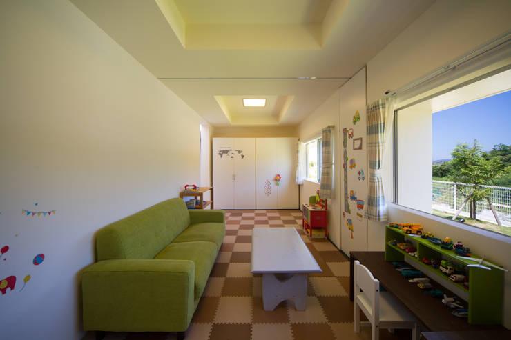 子供室: 建築工房 亥が手掛けた子供部屋です。