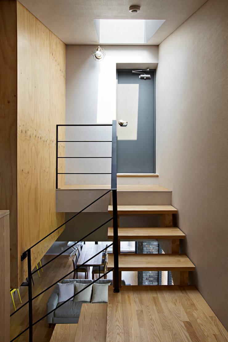 eridu: johsungwook architects의  침실