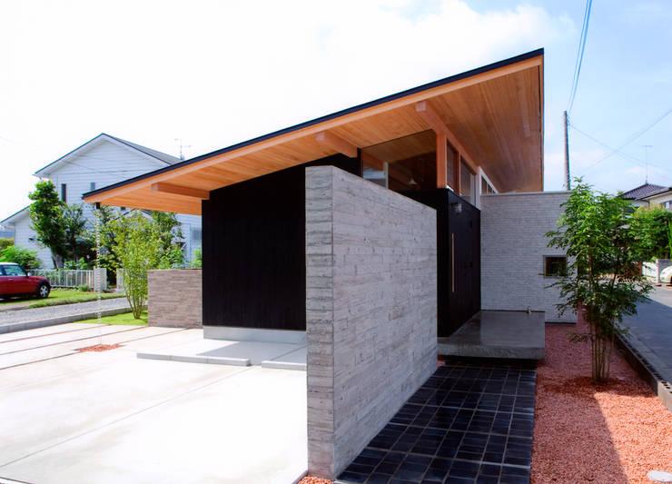 ナガヤネ: group-scoop architectural design studioが手掛けた庭です。,北欧