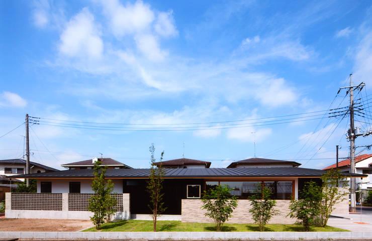ナガヤネ: group-scoop architectural design studioが手掛けた家です。