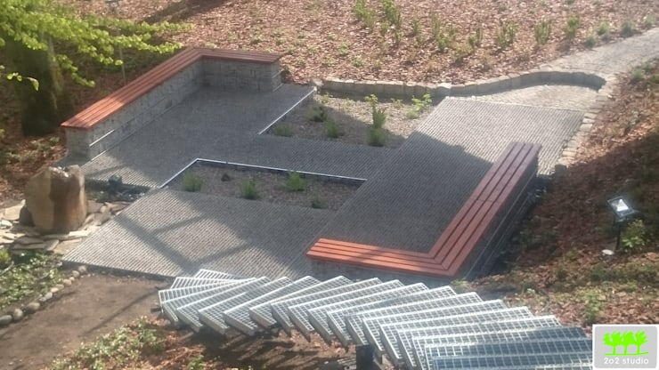 widok z biegu schodów na miejsce do siedzenia : styl , w kategorii  zaprojektowany przez 2o2 studio,Industrialny