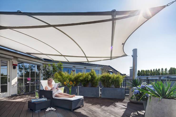 Balcones y terrazas de estilo  de C4sun
