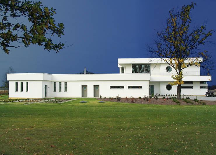 Houses by MAŁECCY biuro projektowe