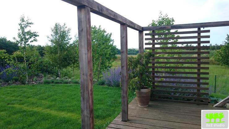 widok z patio: styl , w kategorii  zaprojektowany przez 2o2 studio