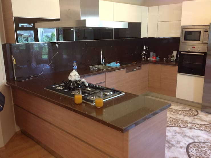 Kitchen by HEBART MİMARLIK DEKORASYON HZMT.LTD.ŞTİ.