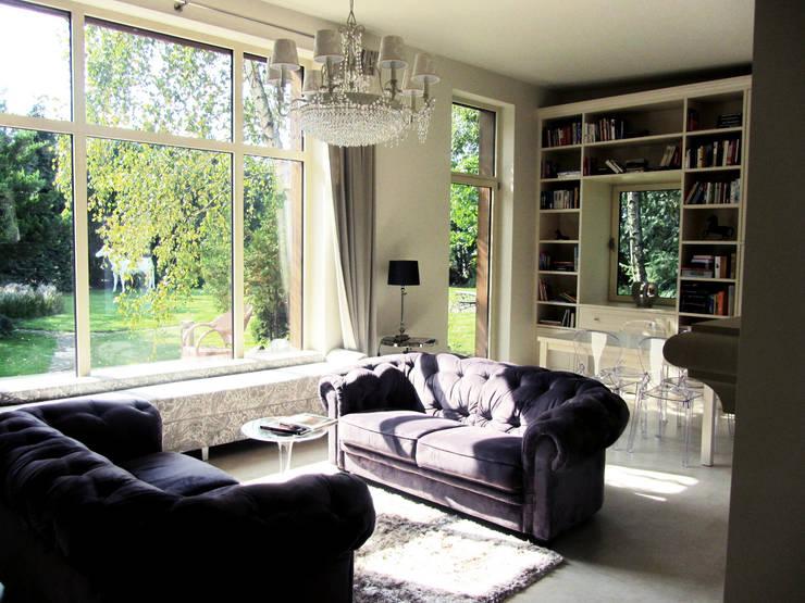 biuro domowe: styl , w kategorii Domowe biuro i gabinet zaprojektowany przez JOL-wnętrza,