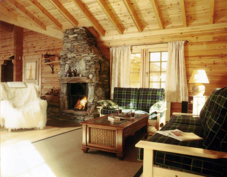 dom letni: styl , w kategorii Salon zaprojektowany przez JOL-wnętrza,