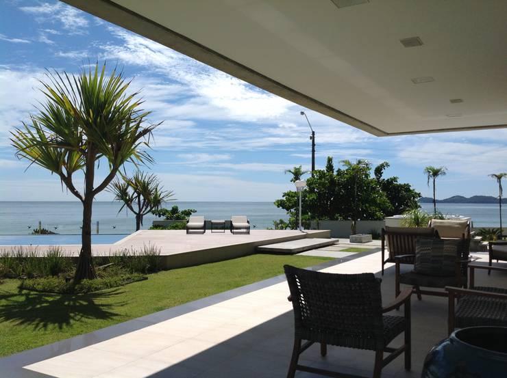 Casa CSP: Terraços  por PJV Arquitetura,
