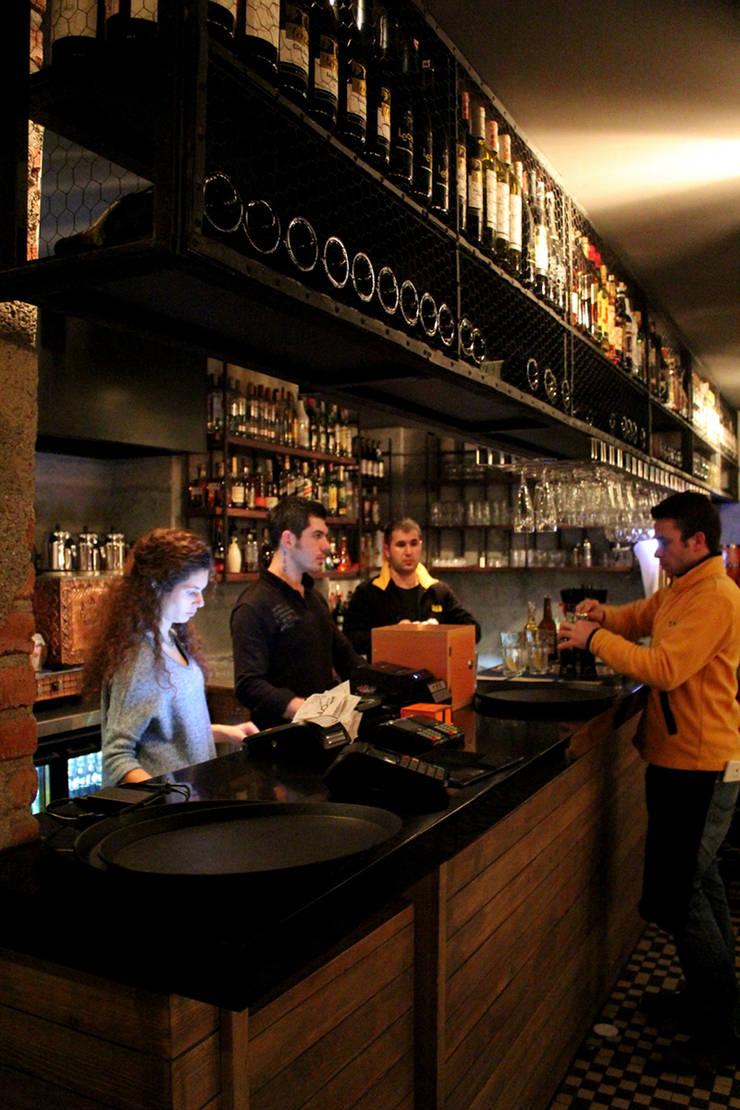 CO Mimarlık Dekorasyon İnşaat ve Dış Tic. Ltd. Şti. – OT Cafe: endüstriyel tarz tarz Mutfak