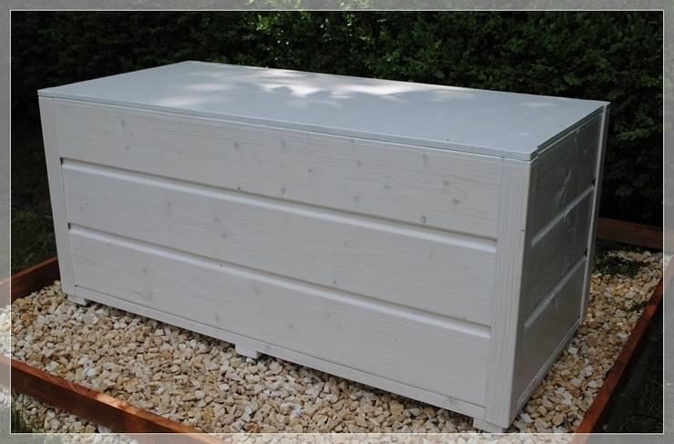 Skrzynia, kufer, ławka na taras lub balkon: styl , w kategorii  zaprojektowany przez MT WoOD,Klasyczny