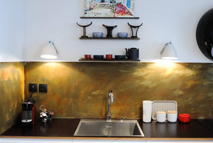 Crédence de cuisine : Cuisine de style  par Sara Camus Bouanha Architecture Interieure
