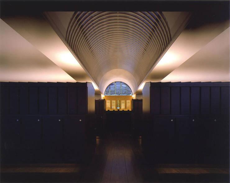 内部須弥壇: 株式会社アルフデザインが手掛けた会議・展示施設です。