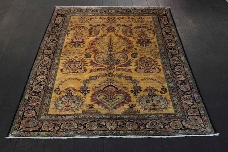 Ghom Antique - dywan jedwabny tkany ręcznie w Iranie: styl , w kategorii Ściany i podłogi zaprojektowany przez Sarmatia Trading